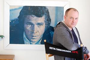 Arild Østin Ommundsen (Til høyre) har sansen for Steve McQueen (til venstre). Bildet er fra filmen Le Mans-71. (Foto: Sølve Friestad)