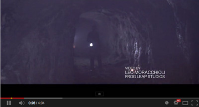 Klikk på bilde for Monosapiens musikkvideo.
