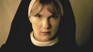 Lily Rabe i AHS: Asylum. Aldeles glimrende rolletolkning på godt og ondt.