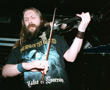Pete Johansen med The Sins of Thy Beloved på Checkpoint Charlie Januar 1999. Foto: Sølve Friestad
