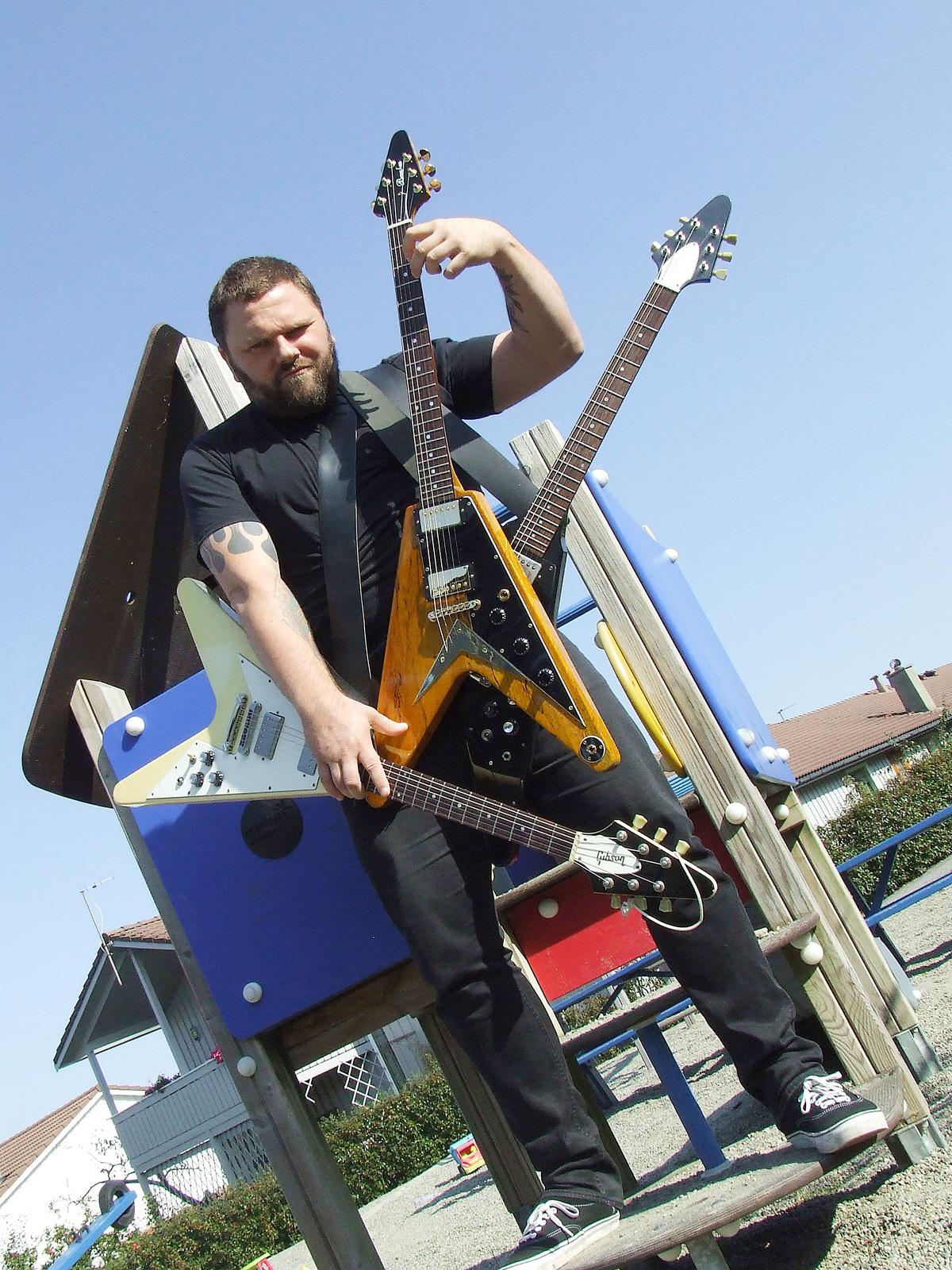 En rockegitarist kommer ikke utenom minst en Flying V.