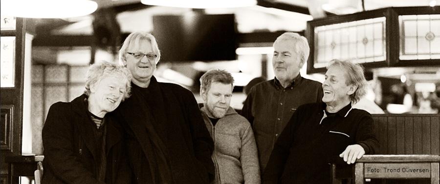 Companiet:  Bjørn «Kissa» Kristensen, vokal. Jarle «Charlie» Børresen, orgel. Bernt Haarr-Olsen, bass. Odd Refsland, gitar. Ambjørn Ambjørnsen, trommer. Foto: Trond Oliversen