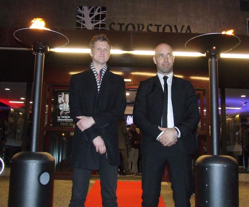 Geir Zahl og Helge Risa på rød løper før Den Tilfeldige Rockestjernen.