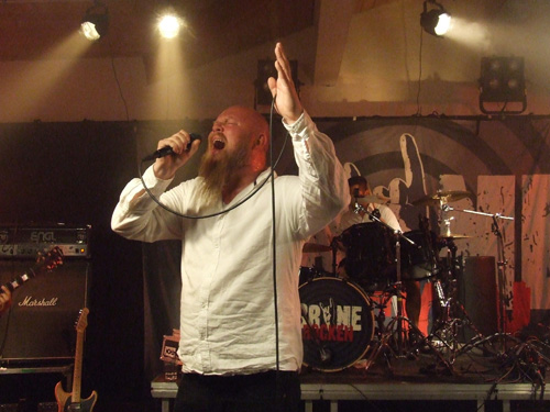 Kjetil Nordhus synger Faith No Moore.