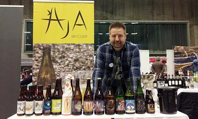 Jan-Tore Oskal har mange herligheter fra både AJA, To ØL, Jandrain Jandrenouille og La Rulles.