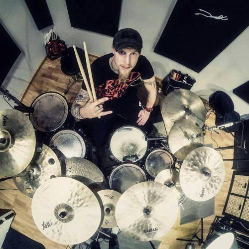 Arild Nådeland under innspillingen av debutalbumet hos Leo. (Foto: Privat)