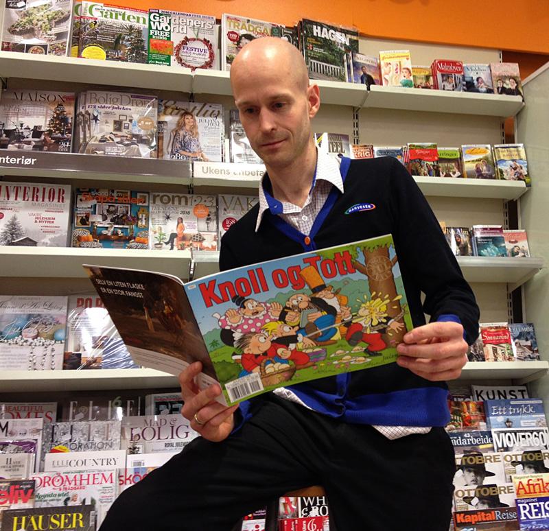 Narvesens Atle Kloster har funnet frem sin tegneseriefavoritt blant juleheftene.